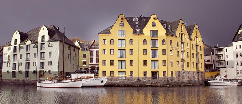 Hotel Brosundet, Ålesund, Norway - view of the exterior.jpg